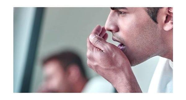 Cómo prevenir la halitosis - Clinica Dental Artdenta